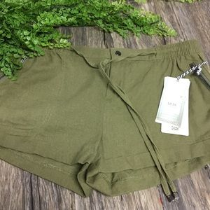 Iris khaki green drawstring shorts XL
